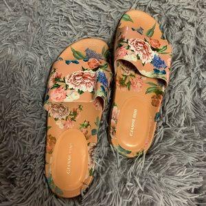 Gianni Bini floral slides